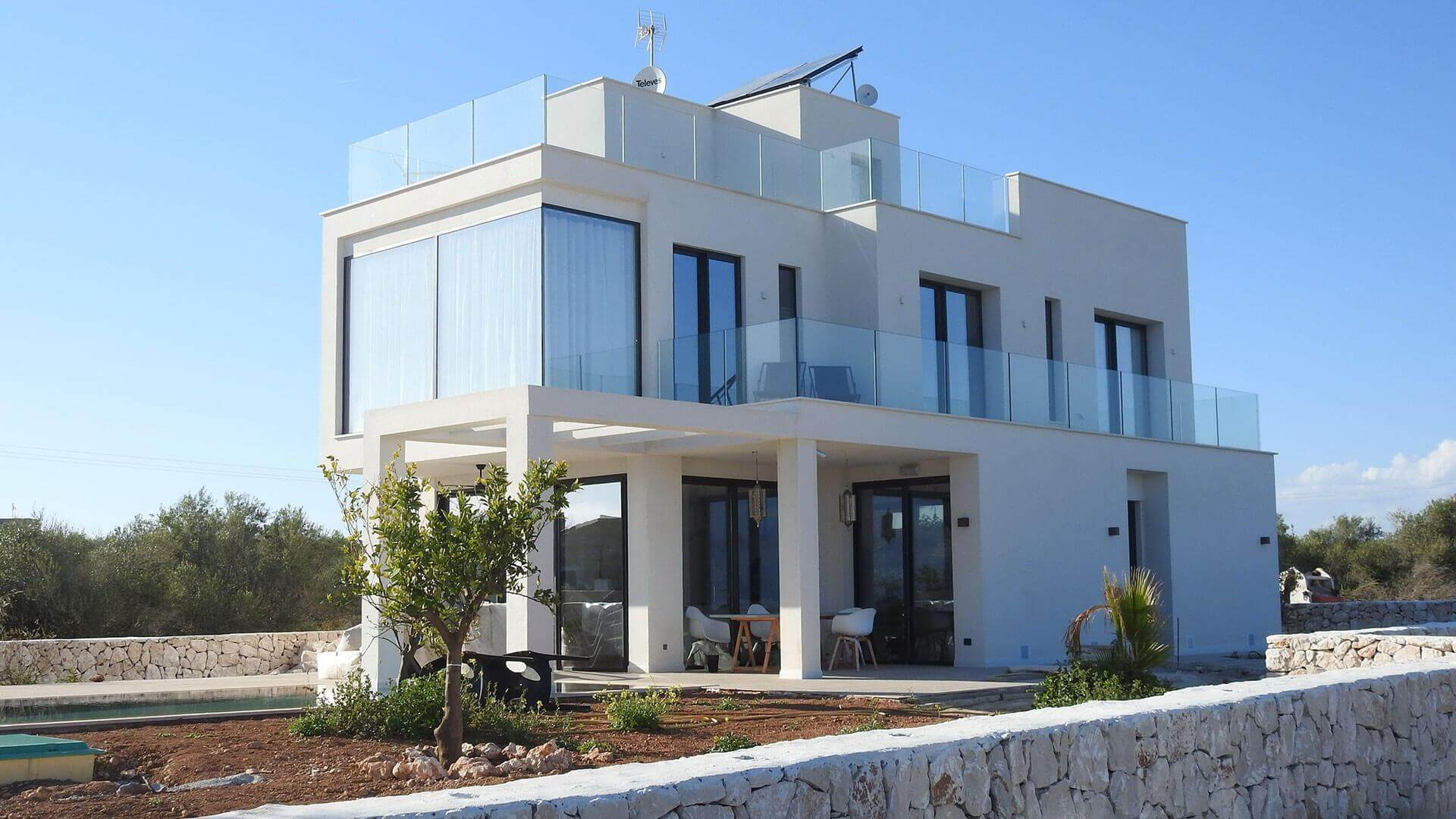 Investments & Pensions: Holiday home gained through investments